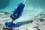 Ручные пылесосы для бассейна от американского производителя Watertech Pool Blaster: обзор лучших 5 моделей